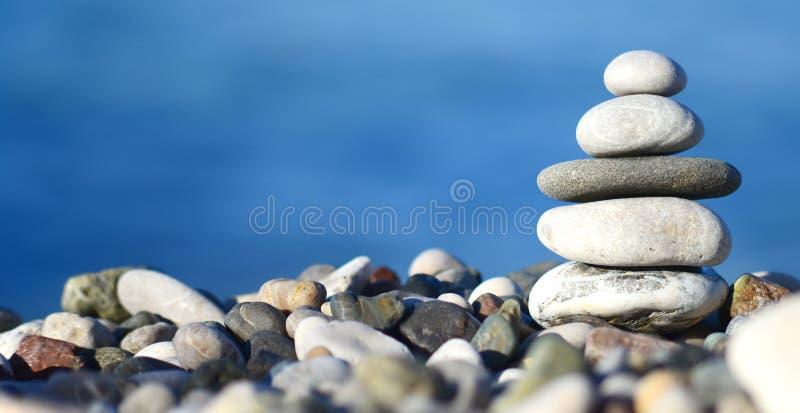 Torre de pedra de equilíbrio fotografia de stock royalty free