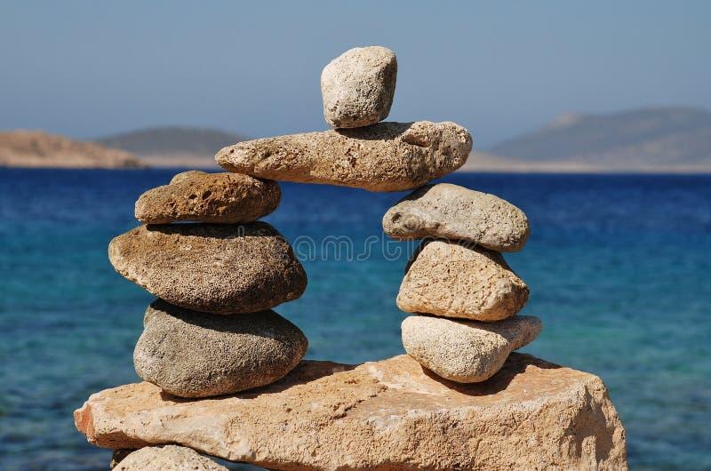 Torre de pedra de Ftenagia em Halki fotos de stock