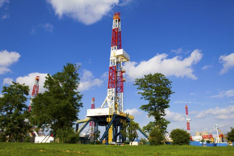 Torre de perforación de aceite imagen de archivo libre de regalías