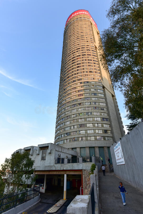 Torre de Ponte - Hillbrow, Joanesburgo, África do Sul fotografia de stock royalty free