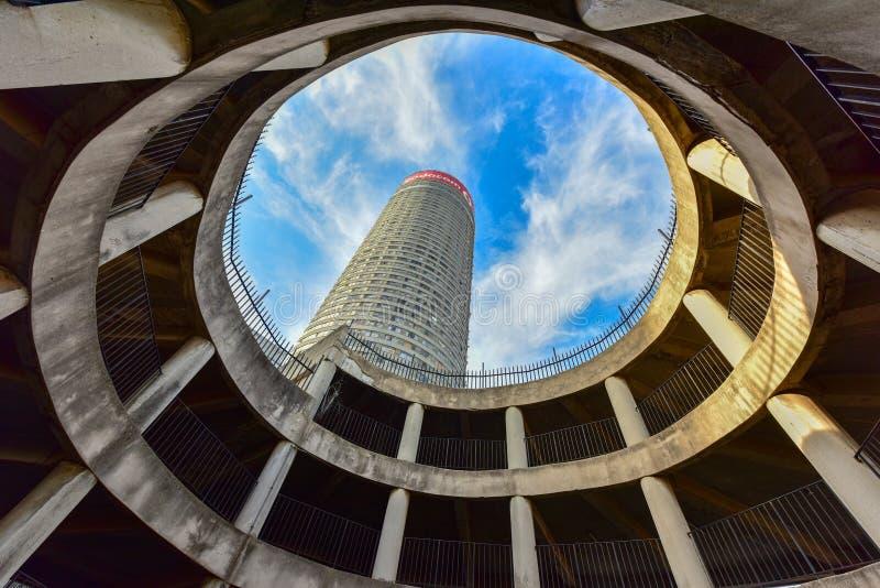 Torre de Ponte - Hillbrow, Joanesburgo, África do Sul fotografia de stock