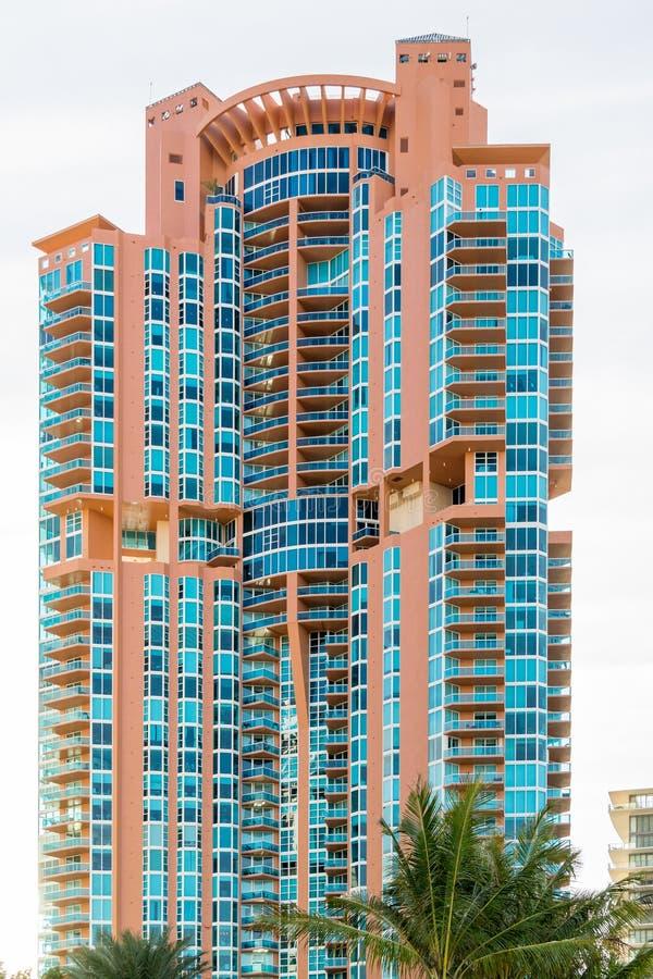 Torre de Portofino na praia sul de Miami, Florida fotos de stock