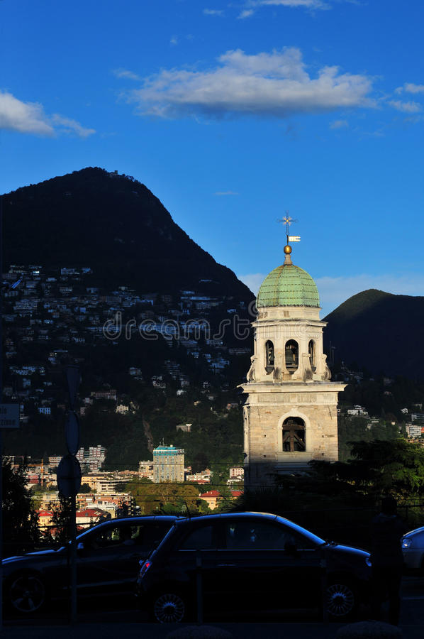 Torre de pulso de disparo de Lugano imagem de stock royalty free