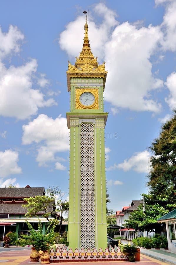 Torre de pulso de disparo em Mandalay foto de stock royalty free