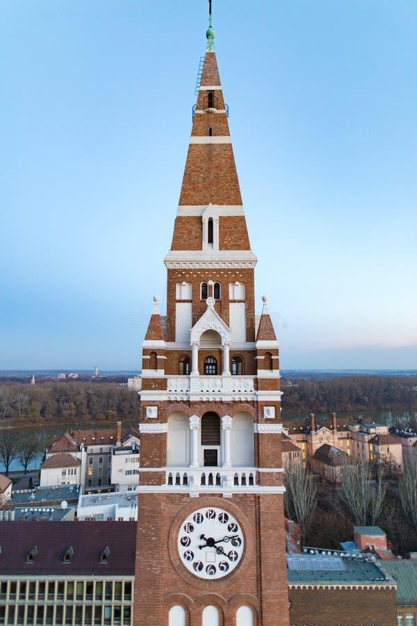 Torre de pulso de disparo votiva de Szeged Christian Church, Hungria Vista de t imagens de stock royalty free