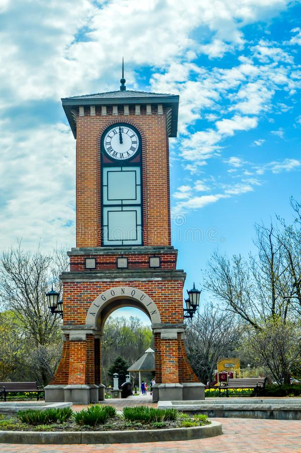 Torre de pulso de disparo córnico do parque no Algonquin, Illinois foto de stock