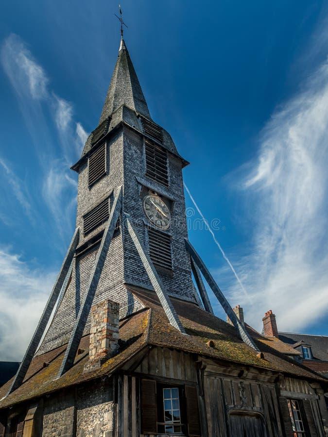 Torre de pulso de disparo histórica em Honfleur, França fotografia de stock royalty free
