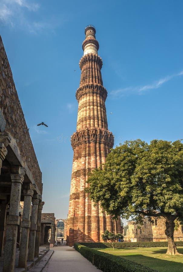 Torre de Qutub Minar, Delhi, la India imagenes de archivo