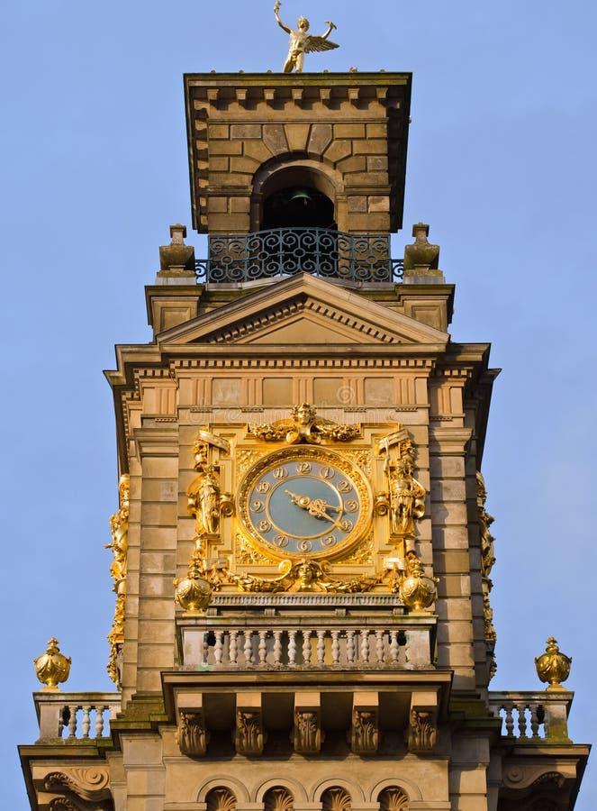 Torre de reloj de la casa de Cliveden, Inglaterra fotografía de archivo