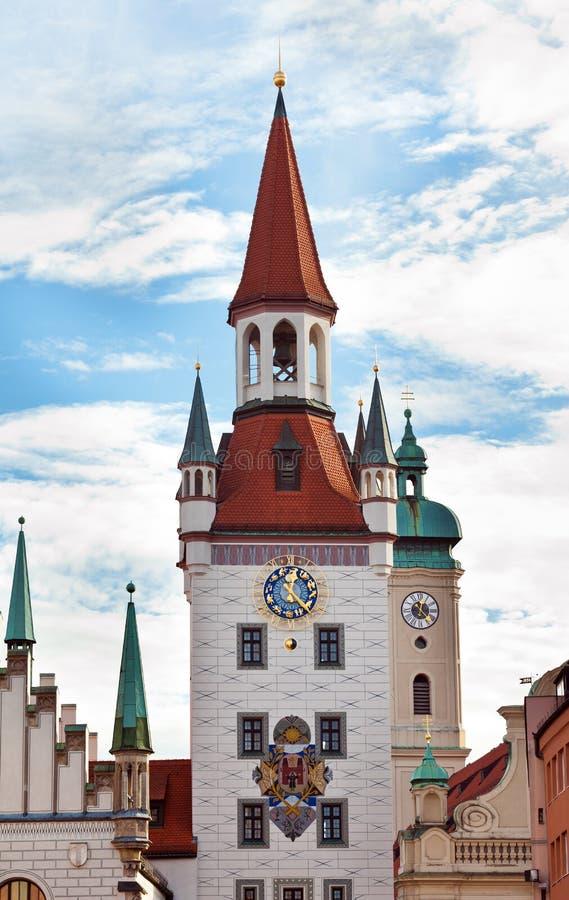 Torre de reloj del zodiaco, Munich, Alemania imagenes de archivo