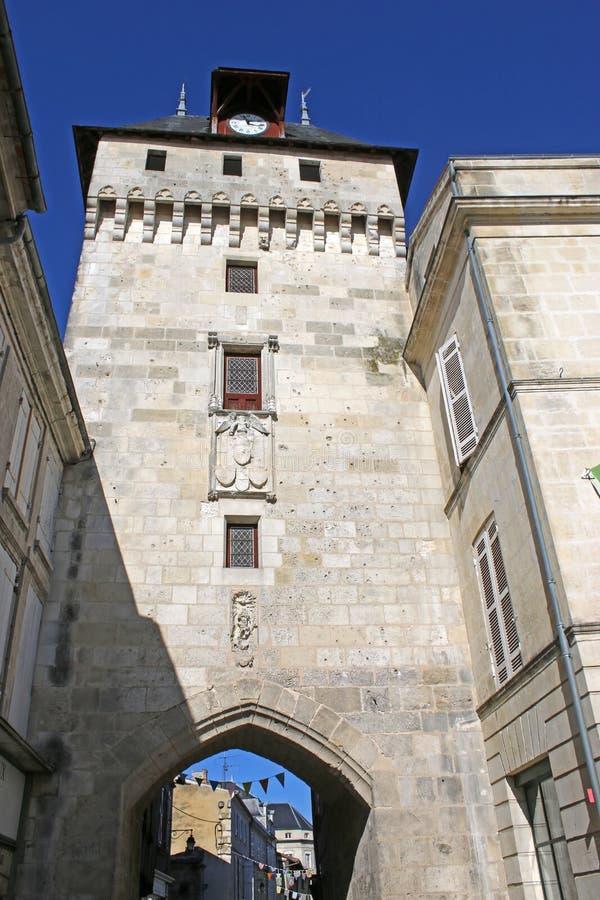 Torre de reloj en el ` Angely de Santo-Jean-d foto de archivo libre de regalías