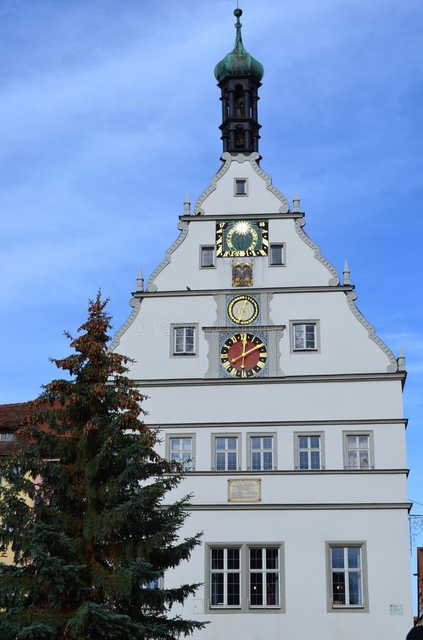 Torre de reloj en el der Tauber, Alemania del ob de Rothenburg fotos de archivo