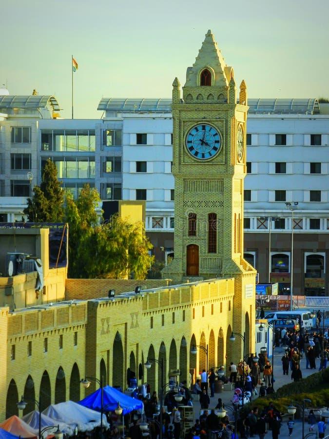 Torre de reloj en Erbil céntrico - al norte de Iraq imagenes de archivo