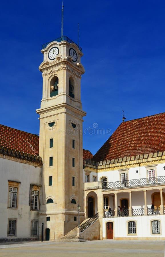 Universidad de la torre de reloj de Coímbra fotos de archivo
