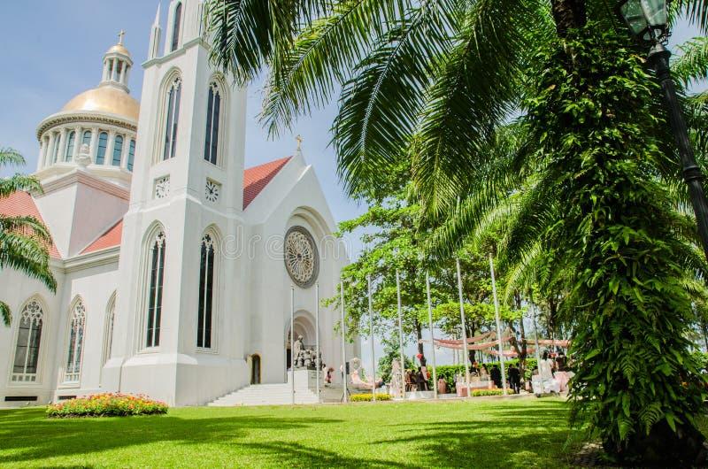 Torre de reloj gótica del estilo, universidad de la suposición, Tailandia imagenes de archivo