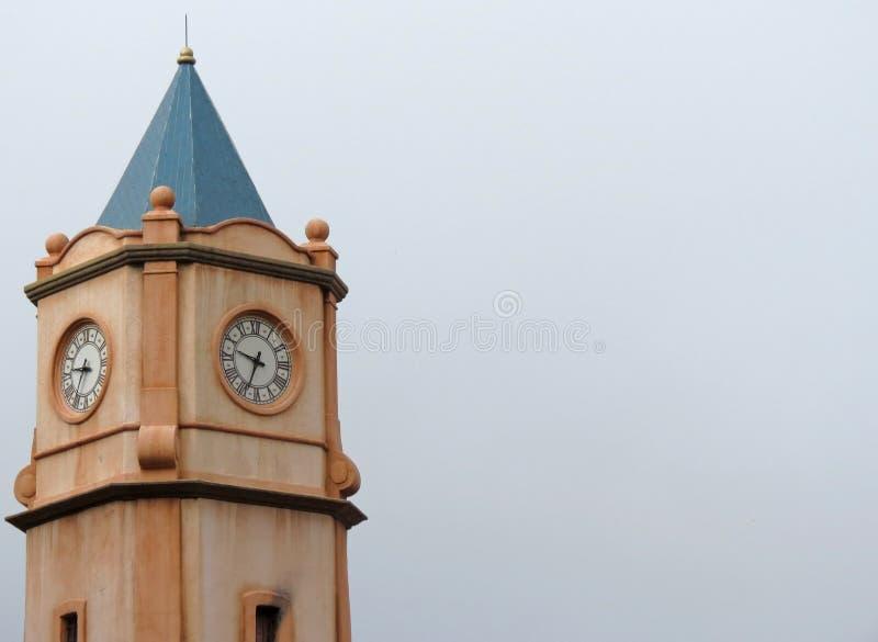 Torre de reloj majestuosa imagen de archivo libre de regalías