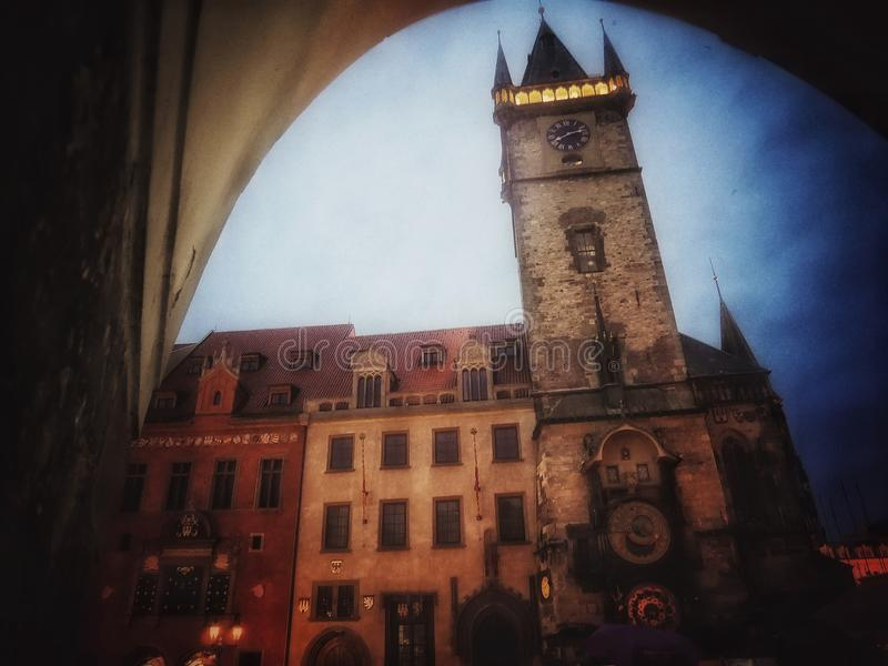 Torre de reloj maravillosa imagenes de archivo