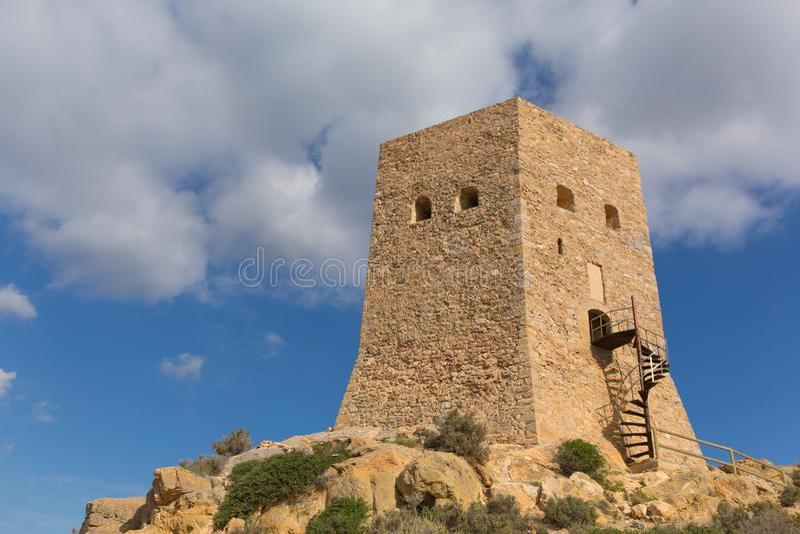 Torre De Santa Elena La Azohia Murcia Spain, auf dem Hügel über dem Dorf stockfotografie