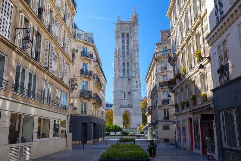 Torre de Santo-Jacques (viaje Santo-Jacques) en la calle de Rivoli esto imágenes de archivo libres de regalías