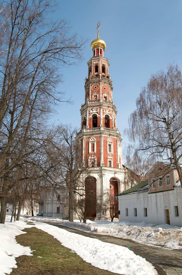 Torre de sino. Convento de Novodevichy fotografia de stock