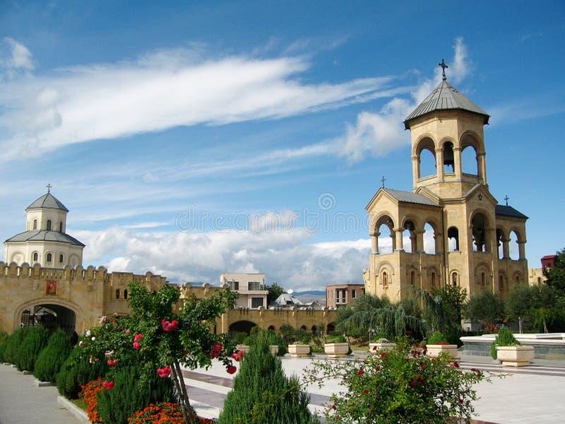 Torre de sino da catedral da trindade santamente de Sameba, Tbilisi fotografia de stock