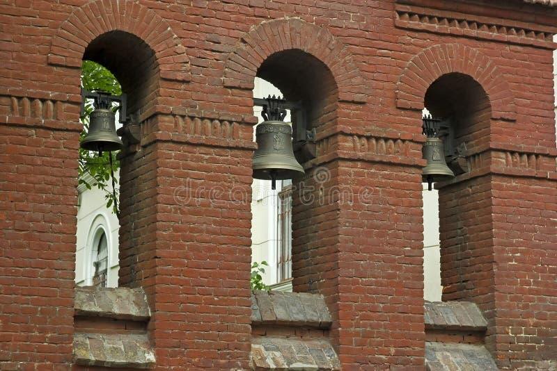 Torre de sino da igreja de John The Baptist em Lviv, Ucrânia fotografia de stock royalty free