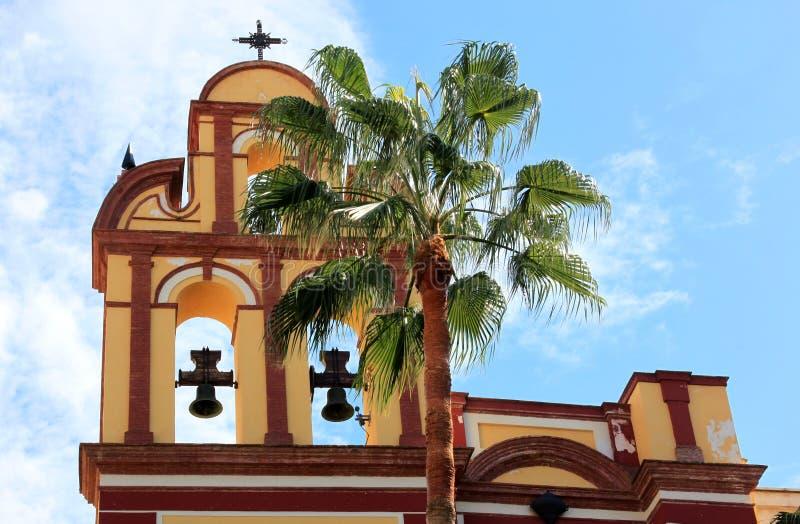 Torre de sino da igreja de San Agustin em Malaga, Spain imagens de stock royalty free