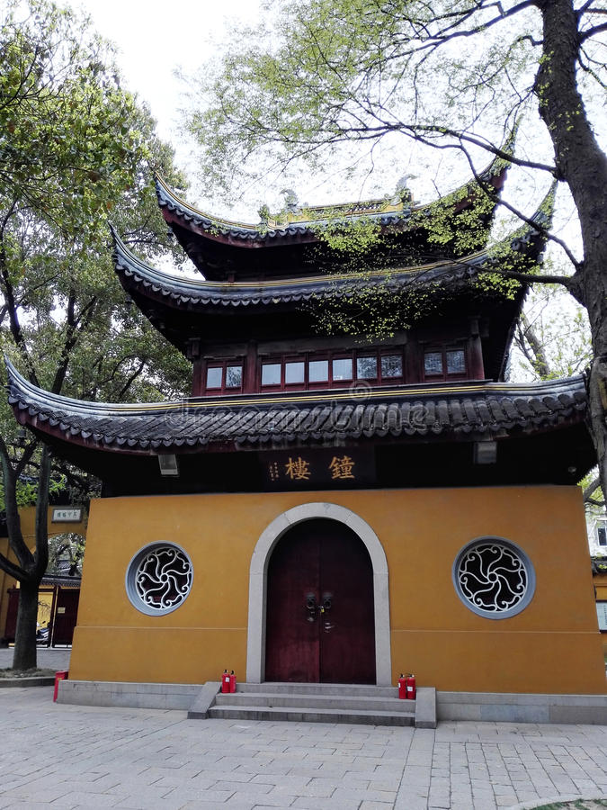 A torre de sino do templo imagens de stock royalty free