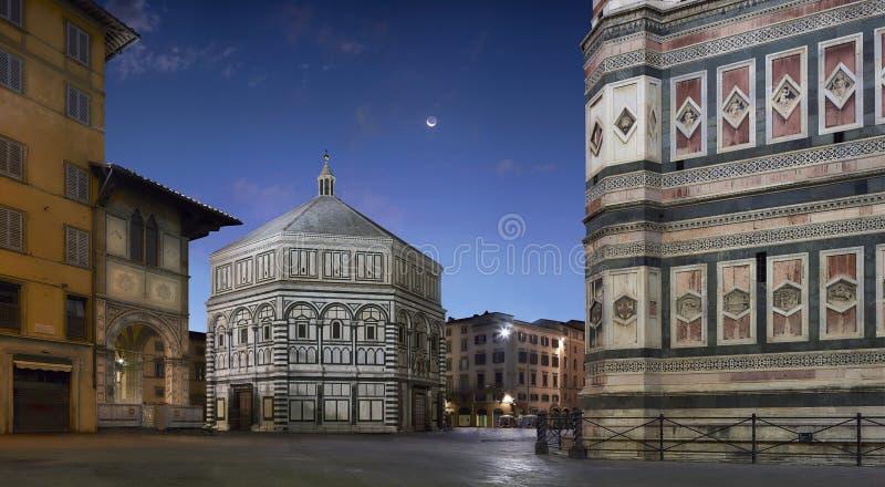 Torre de sino de Florence Baptistery e de Giotto foto de stock