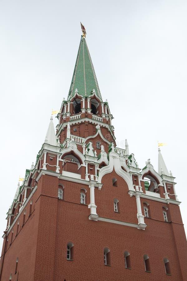 A torre de Spasskaya do Kremlin fotos de stock royalty free