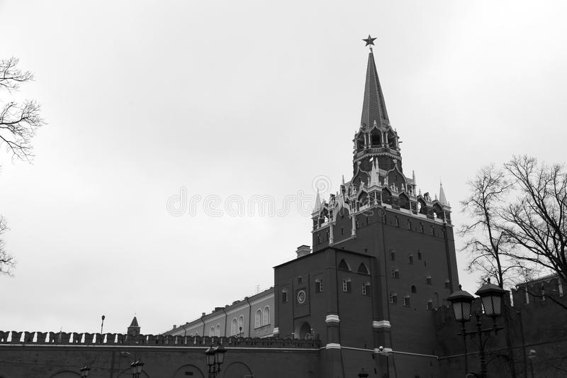 A torre de Spasskaya do Kremlin foto de stock