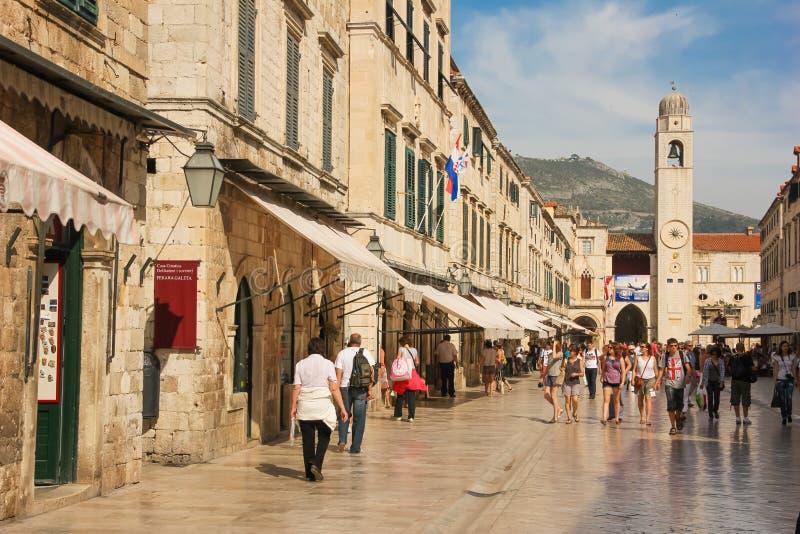 Torre de Stradun e de pulso de disparo dubrovnik Croácia imagens de stock royalty free