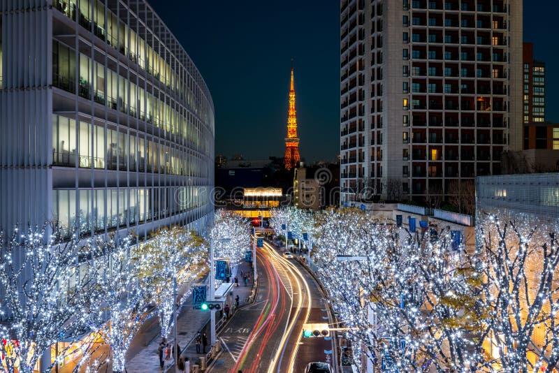 Torre de Tokio con la iluminación de la Navidad en Roppongi foto de archivo libre de regalías