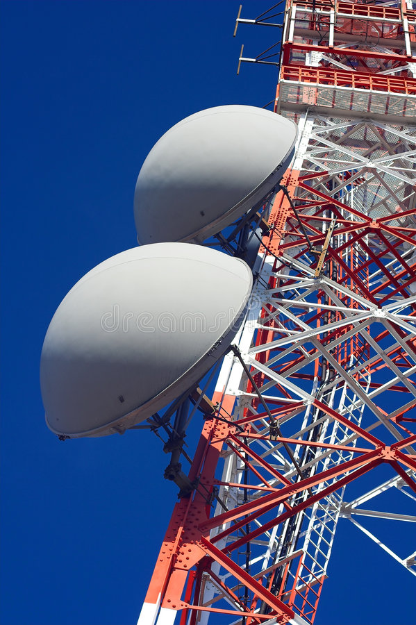 Torre de uma comunicação imagens de stock