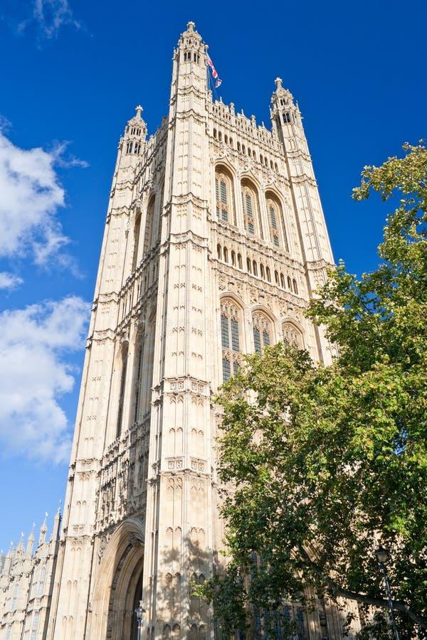 Torre de Victoria en las casas del parlamento imagenes de archivo