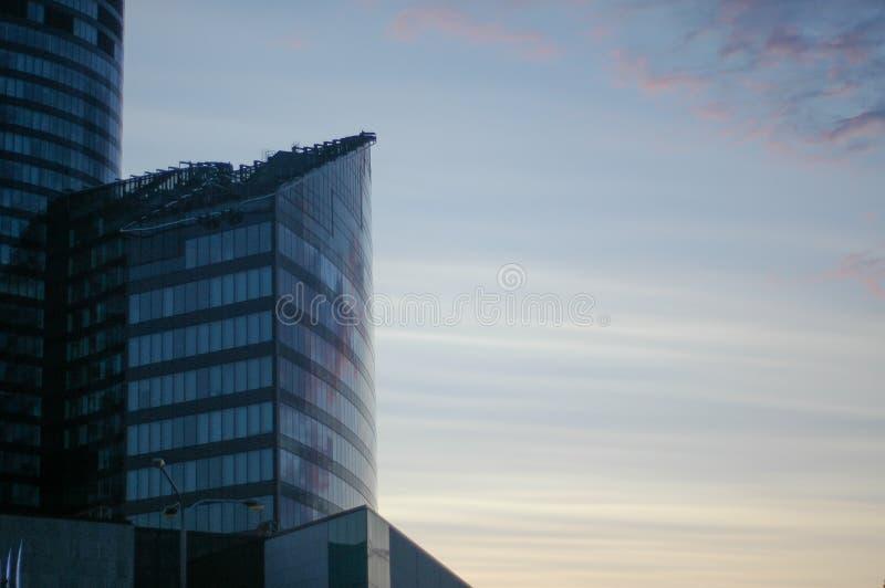 Torre de vidro do céu fotografia de stock