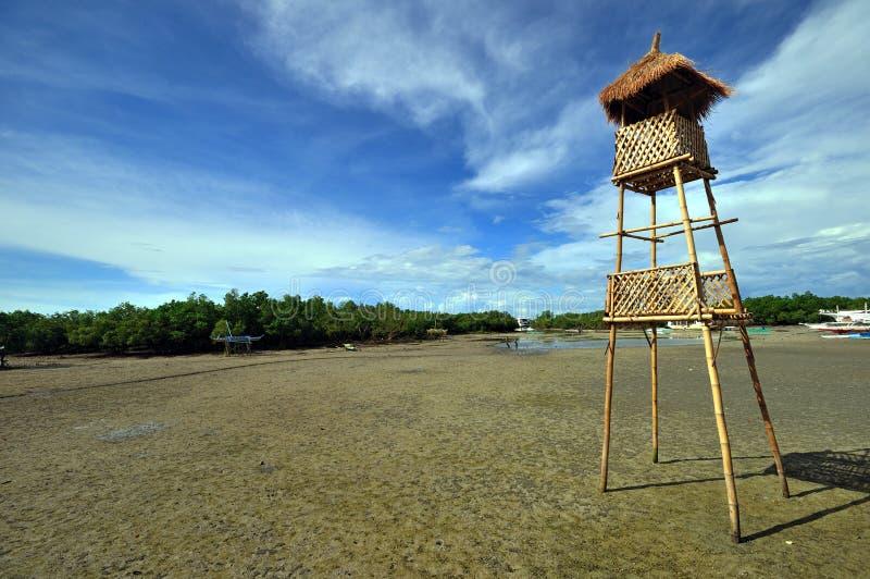 Torre de vigia de bambu, cidade de Lapu-lapu, Cebu fotografia de stock royalty free