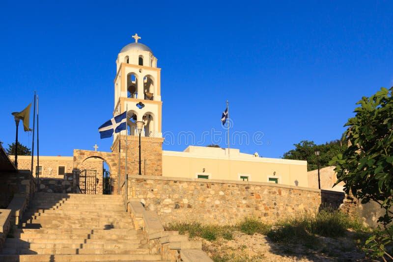 Torre del campanario de la iglesia en el pueblo de Asfendiou fotos de archivo libres de regalías