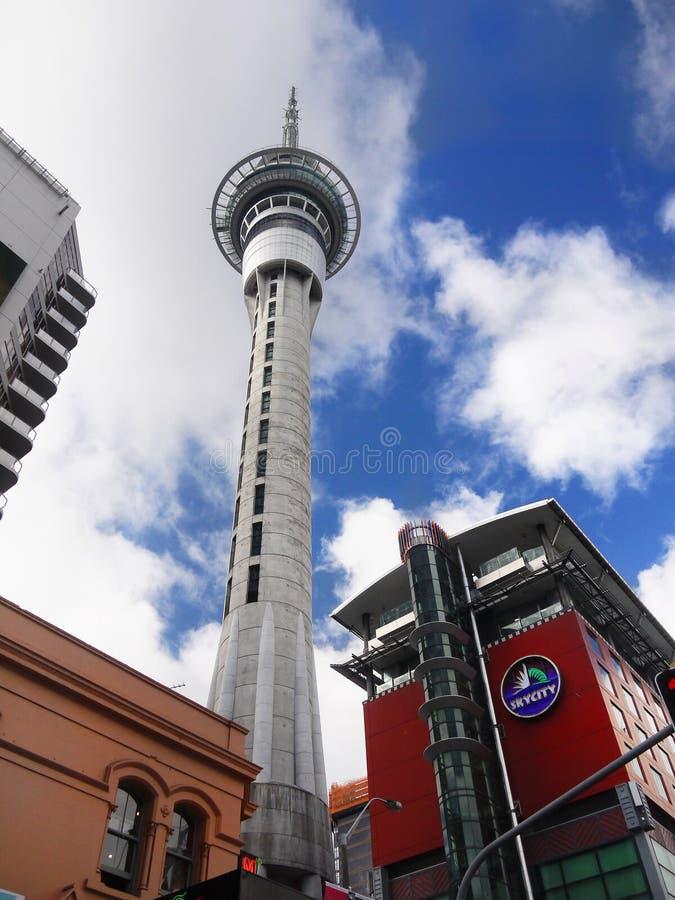 Torre del cielo della città di Auckland, Nuova Zelanda fotografia stock