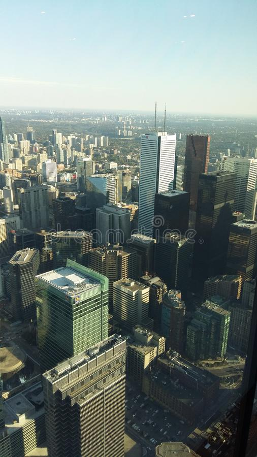 Torre del CN - zona centrale Toronto - vista dalla cima fotografia stock libera da diritti
