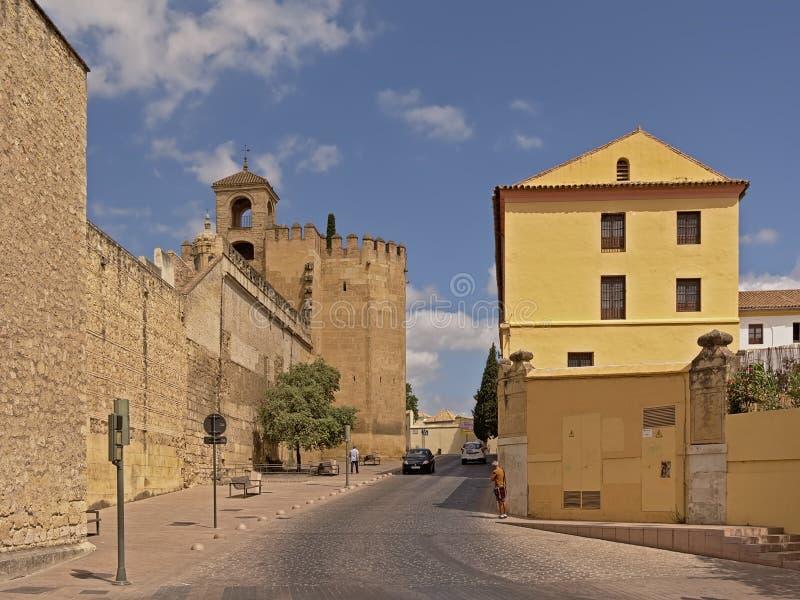 Torre del Homenaje de las paredes y del La del Alcazar de Córdoba foto de archivo libre de regalías