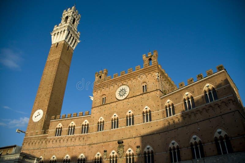 Torre del Mangia em Siena, Italy fotografia de stock