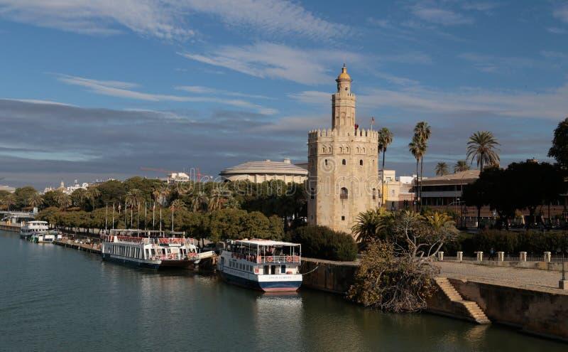 Torre del Oro i Seville, söder av Spanien fotografering för bildbyråer