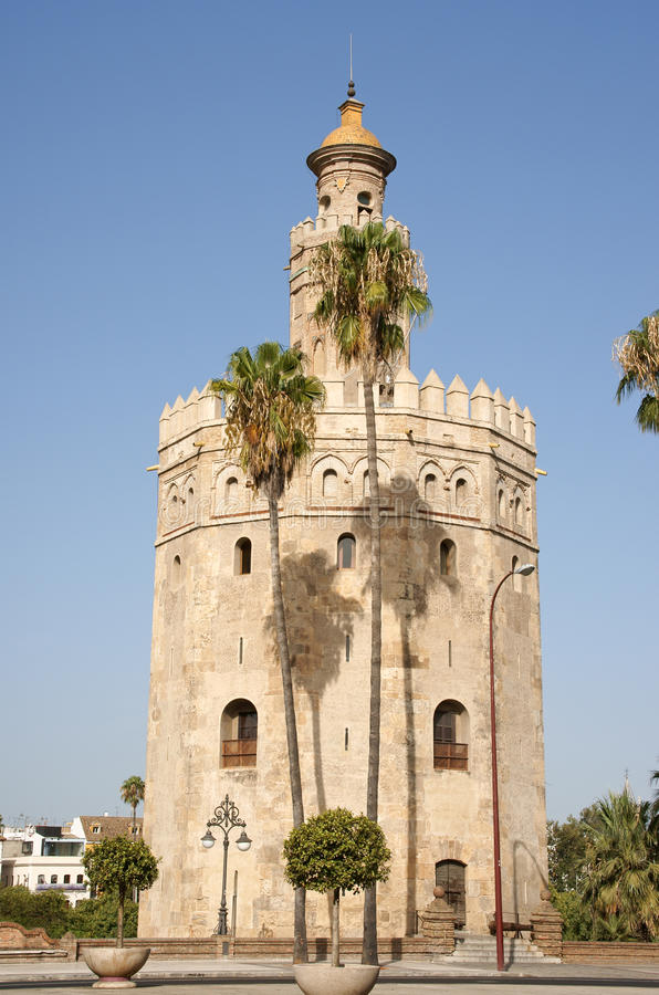 Torre Del Oro Ou Torre Do Ouro Em Sevilha Foto de Stock