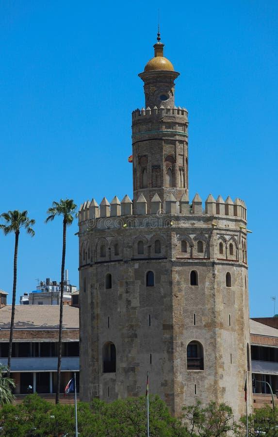 Torre del Oro - Toren van Goud op de bank van de rivier van Guadalquivir, Sevilla, Spanje royalty-vrije stock fotografie