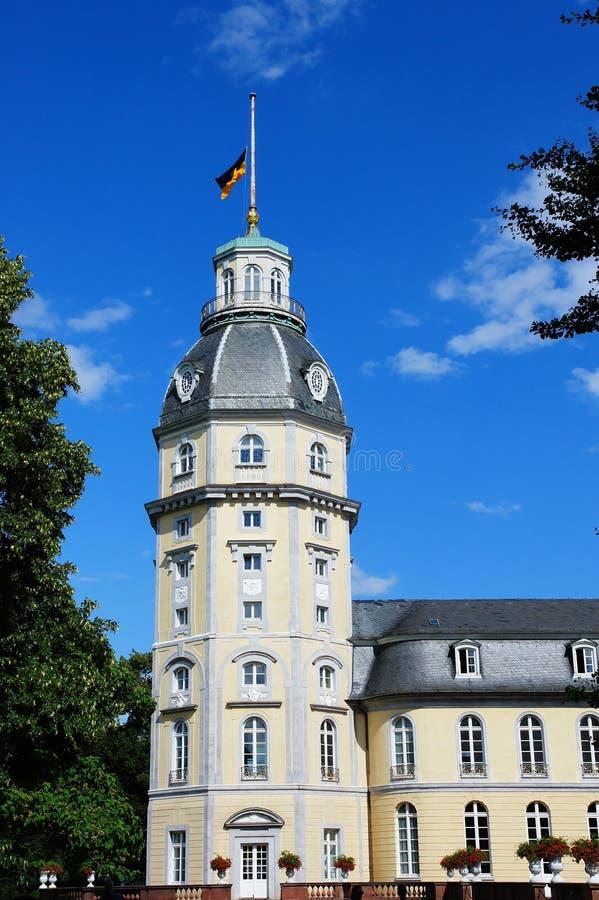 Torre del palacio de Karlsruhe fotos de archivo libres de regalías