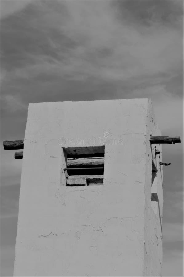 Torre del pueblo que representa épocas más allá imágenes de archivo libres de regalías