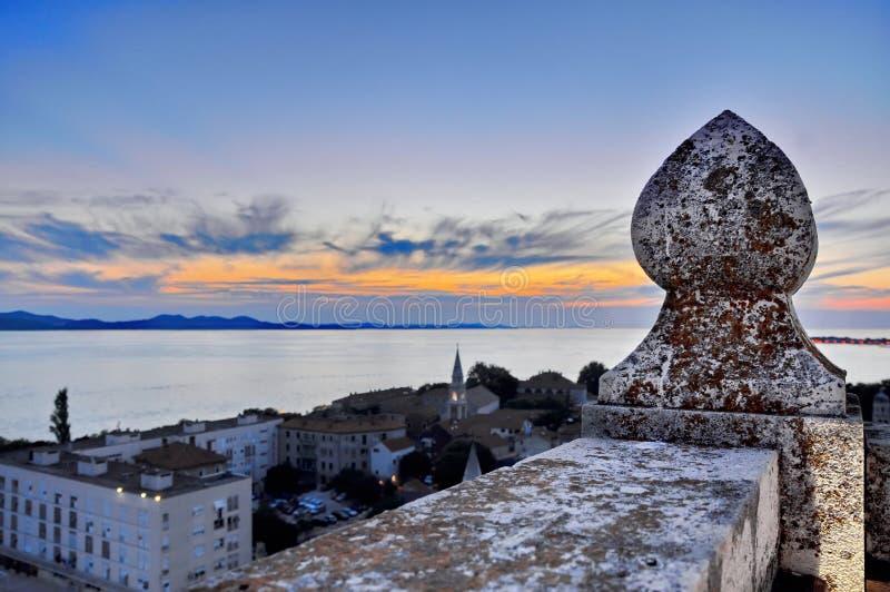 Torre del puesto de observación en Zadar fotografía de archivo