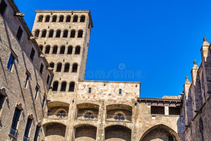 Torre del reloj del ½ s del ¿de Kingï - Placa del Rei, Barcelona, España imagen de archivo