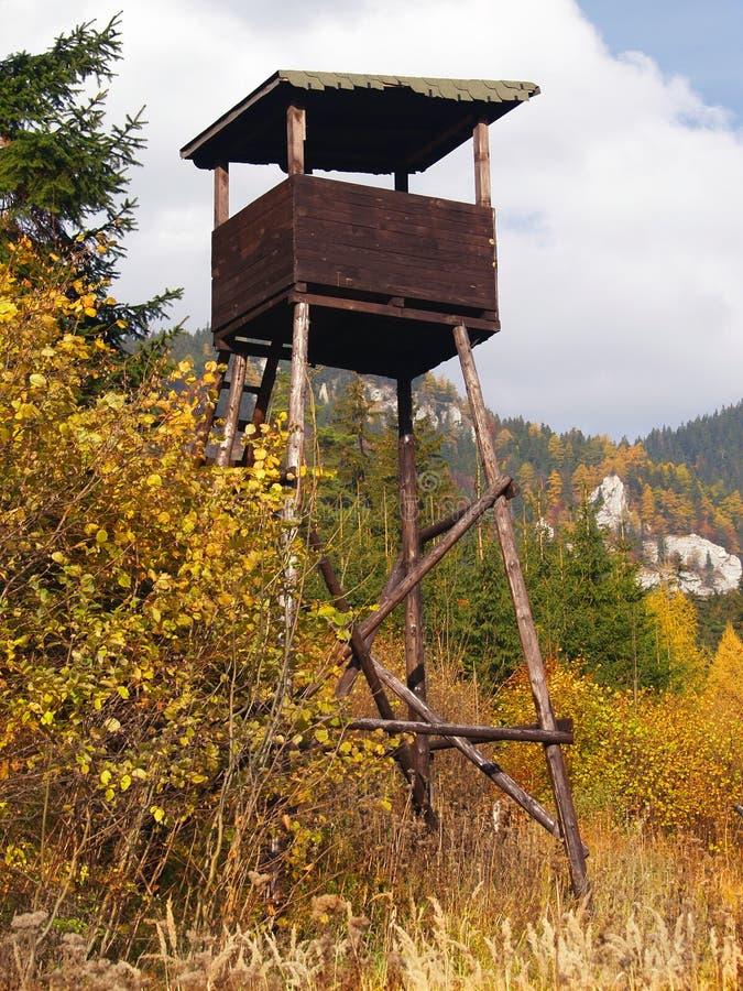 Torre del reloj en campo fotos de archivo libres de regalías